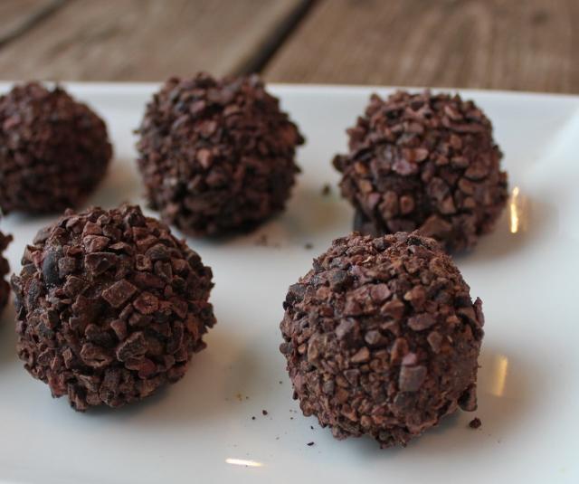 chocolate brigadeiros in johnnas kitchen (640x535)