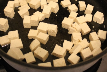maple sesame tofu in johnnas kitchen (375x251)