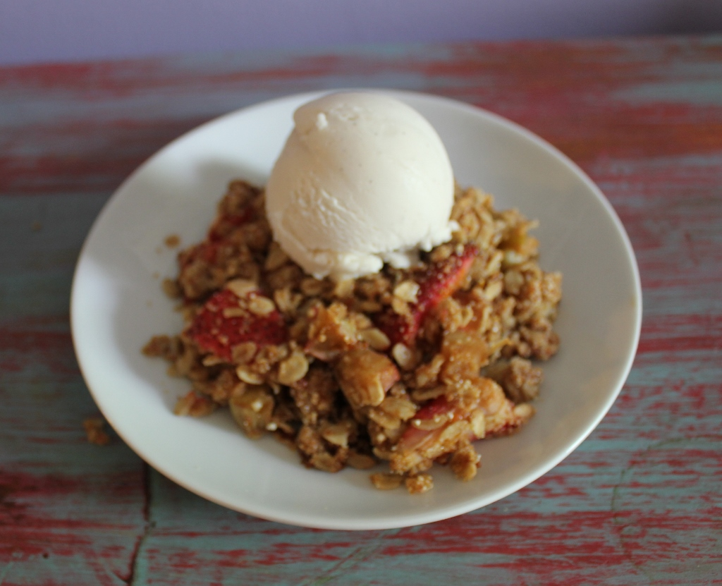 Strawberry Rhubarb Quinoa Crumble