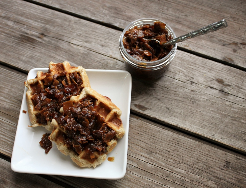In Johnnas Kitchen bourbon maple bacon jam, vegan