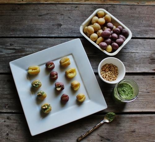 pesto stuff potatoes in johnna's kitchen (500x459)