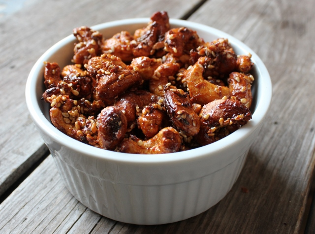 Sweet Ginger Sriracha Roasted Cashews In Johnna's Kitchen