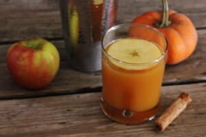 Thanksgiving Survival: Bourbon Apple Pumpkin Cocktail