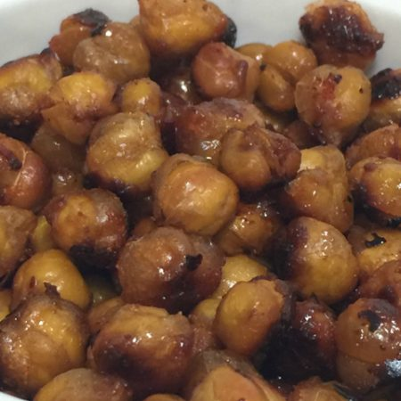 Maple Sriracha Roasted Chickpeas (gluten-free, dairy-free, egg-free, vegan, grain-free) | In Johnna's Kitchen