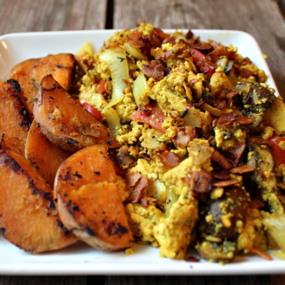 Bacon Tofu Breakfast Scramble | In Johnna's Kitchen