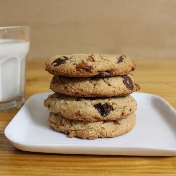 Bourbon Bacon Chocolate Chip Cookies | In Johnna's Kitchen