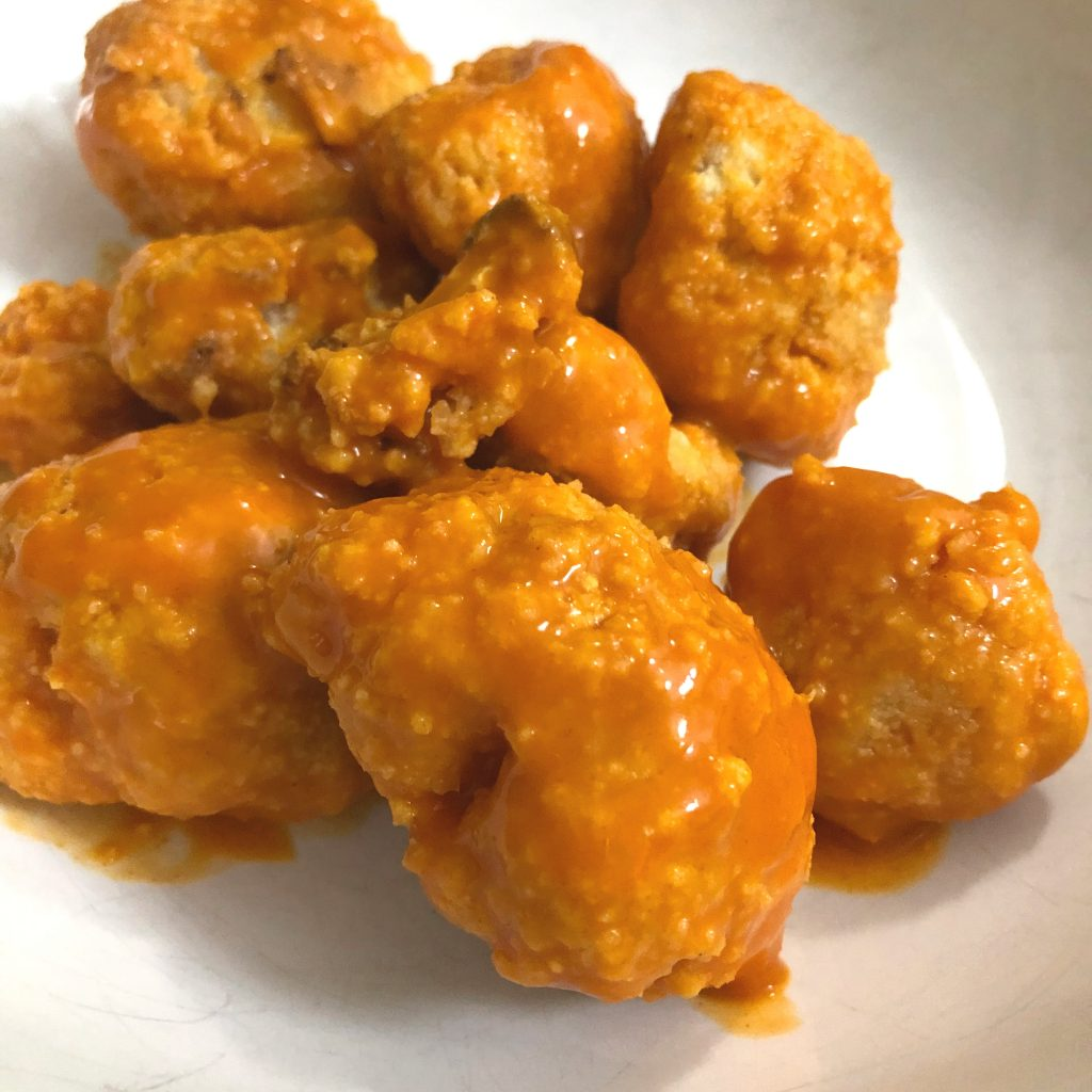 Baked Buffalo Cauliflower Bites, Gluten-Free and Vegan | In Johnna's Kitchen